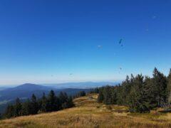Die Osserwiese unter dem Kleinen Osser, Startplatz für Gleitschirmflieger
