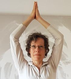 Anke Redeker macht die Yogakurse und begleitet die Langlauftouren