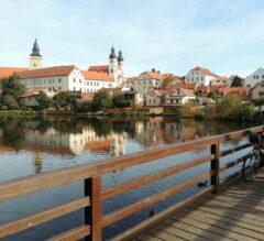 Weltkulturerbe Telč: Einradeln über die Teichbrücke