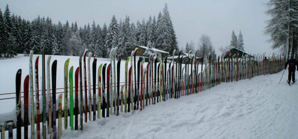 Skizaun am Brennes-Pass 10 Fußminuten oberhalb der Mooshütte