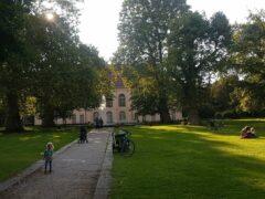 Wo einst Hồ Chí Minh, Chruschtschow, Indira Gandhi, Fidel Castro und Gorbi spazierten: Park und Schloss Schönhausen