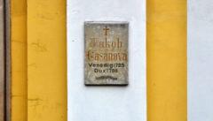 Der Grabstein von Giacomo Casanova in Dux