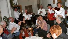 In der Klosterweinstube gibt es jeden Donnerstag traditionelle mährische Musik: wir hoffen, dass diese Tradition bleibt