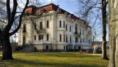 Symbol von Assimilation und Aufstieg: das Fabrikantenschloss der Familie Löw-Beer in Svitavka