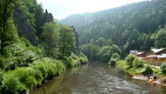 Am Fuss des Kaiserwaldes: die Hans Heiling-Felsen