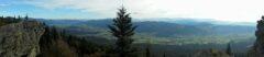 Blick vom Kaitersberg ins Zellertal, dahinter die Vorberge des Bayerwaldes (Richtung Donautal)