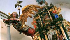 Fröhliche Bauernreligion: der Himmelfahrtsaltar in Sorquitten-