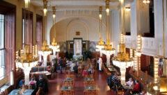 Cafehäuser waren das unverzichtbare Biotop der Prager Literatur: ob prächtig wie hier das berühmte Secessionscafe im Repräsentationshaus ...