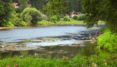 Der Fluss Otava ist ein schönes Wanderrevier