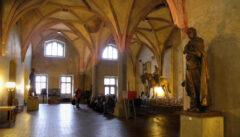 Der gewaltige Rathaussaal von Tabor verherrlicht den hussitischen Mythos