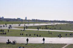 Tempelhofer Feld - 300 Hektar Betonbahnen und Wiese