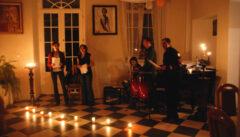 Hier legen wir gern das Geld der Reisegäste an: Kleines Schlosskonzert einer einheimischen Band in Polen