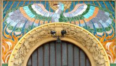 """Mosaik über dem Eingang des """"Hlaholhauses"""", dem Haus der tschechischen Sänger"""