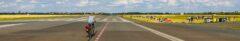 Tempelhofer Feld: 300ha flache Wiese mit Landebahnen z.B. zum Radeln